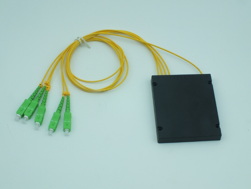 1*4 fiber optic PLC splitter
